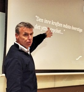 Föreläser Mats P